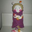 Mumus baba lila kabátban, Baba-mama-gyerek, Játék, Játékfigura, Plüssállat, rongyjáték, Egyedi, kézzel és géppel varrt mumus. Minden olyan gyereknek szüksége lehet rá, ki fél a sötétben. S..., Meska