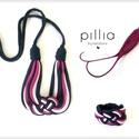 Sötétkék-pink-púder rózsaszín KNOTS textilékszer szett, Ékszer, óra, Ékszerszett, Ékszerkészítés, Újrahasznosított alapanyagból készült termékek, A szett újrahasznosított termék.  Csomóval díszített a nyakba-és karra való sötétkék-pink-púderrózs..., Meska