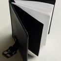 Norvald  - fekete bőr notesz napló emlékkönyv 13x9 cm , Naptár, képeslap, album, Jegyzetfüzet, napló, Valódi bőr borítású notesz, görgős csattos záródással, könyvjelzővel. Fekete előzékpapírral. A belív..., Meska