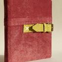Főnix - piros velúr bőr notesz 16x16 cm , Naptár, képeslap, album, Jegyzetfüzet, napló, Könyvkötés, Papírművészet, Valódi velúr bőr borítású notesz, görgős csattos záródással, könyvjelzővel. A pöttyös előzékpapír k..., Meska