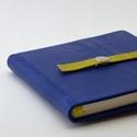 Nataniel - notesz, napló, emlékkönyv - kék  bőr 16x16 cm , Naptár, képeslap, album, Jegyzetfüzet, napló, Valódi bőr borítású notesz, patentos záródással, könyvjelzővel. A pöttyös előzékpapír különös kedven..., Meska