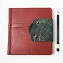 Maléna - notesz, napló, emlékkönyv - bordó bőr 16x16 cm  - 351, Naptár, képeslap, album, Jegyzetfüzet, napló, Valódi bőr borítású notesz, bőrgomb záródással, könyvjelzővel. A pöttyös előzékpapír különös kedvenc..., Meska