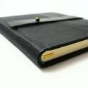 Vidos - notesz, napló, emlékkönyv - fekete bőr 16x16 cm  - 354, Naptár, képeslap, album, Jegyzetfüzet, napló, Valódi bőr borítású notesz, bőrgomb záródással, könyvjelzővel. A pöttyös előzékpapír különös kedvenc..., Meska