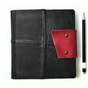 Violenta - notesz, napló, emlékkönyv - fekete bőr 16x16 cm  - 364, Naptár, képeslap, album, Jegyzetfüzet, napló, Valódi bőr borítású notesz, bőrgomb záródással, könyvjelzővel. A pöttyös előzékpapír különös kedvenc..., Meska