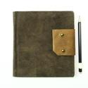 Boleszláv - notesz, napló, emlékkönyv - barna velúr bőr 16x16 cm  - 374, Valódi velúr bőr borítású notesz, bőrgomb z...
