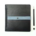 Valter - notesz, napló, emlékkönyv - fekete bőr 16x16 cm  - 375, Naptár, képeslap, album, Jegyzetfüzet, napló, Könyvkötés, Papírművészet, Valódi bőr borítású notesz, bőrgomb záródással, könyvjelzővel. A pöttyös előzékpapír különös kedven..., Meska