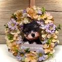 Yorkis kopogtató, Otthon & Lakás, Lakberendezés, Virágkötés, Yorkis kopogtató!  23-24 cm hungarocell alap van bedíszítve. A kutyus fából van.   Megrendelésre ké..., Meska