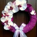 Orchideás kopogtató (27 cm), Esküvő, Otthon, lakberendezés, Nászajándék, Ajtódísz, kopogtató, Elegáns, lila színvilágú kopogtatót készítettem gyönyörű élethű orchideákkal, fehér fa galambbal, sz..., Meska