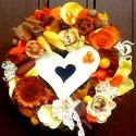 Kopogtató fa szívvel   (22 cm), Dekoráció, Otthon, lakberendezés, Dísz, Ajtódísz, kopogtató, Egy asszimetrikus festett fa szív, valamint a narancs és sárga árnyalatai adják meg a kopogtató vidá..., Meska