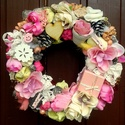 Vidám nyári kopogtató  fagyi színekben (23 cm), Dekoráció, Otthon, lakberendezés, Dísz, Ajtódísz, kopogtató, Mindenmás, Virágkötés, Vidám hangulatú koszorút készítettem fagyi színekben rusztikus rózsákkal, csipkékkel, egy kis rózsa..., Meska