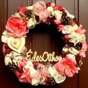 """""""Édes otthon"""" rusztikus nyári kopogtató  (28 cm), Dekoráció, Otthon, lakberendezés, Dísz, Ajtódísz, kopogtató, Virágkötés, Vintage stílusú kopogtatót készítettem sok virággal, csipkével és gyönggyel.  A szalmakoszorú alapo..., Meska"""