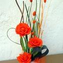 """Krepp rózsák kaspóban """" asztali dísz, Dekoráció, Otthon, lakberendezés, Dísz, Asztaldísz, Ezt a tartós díszt saját készítésű krepp rózsákból és szárított növényi részekből készítettem.  A ke..., Meska"""