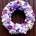 """""""Lila virágos """" koszorú l (28 cm), Dekoráció, Otthon, lakberendezés, Dísz, Ajtódísz, kopogtató, Egyedi kopogtatót készítettem a lila árnyalataival.   A szalmakoszorú alapot lila textillel tekertem..., Meska"""