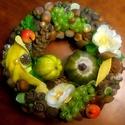 """""""Szőlőskert"""" őszi kopogtató (22 cm), Dekoráció, Otthon, lakberendezés, Dísz, Ajtódísz, kopogtató, Őszi koszorút készítettem gazdagon díszítve  gyümölcsökkel és termésekkel.   A szalmakoszorú alapot ..., Meska"""