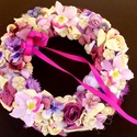 Lila tavaszi kopogtató nagy méret (28 cm) KÉSZTERMÉK, Dekoráció, Otthon, lakberendezés, Dísz, Ajtódísz, kopogtató, Egyedi kopogtatót készítettem a lila árnyalataival.   A szalmakoszorú alapot lila textillel tekertem..., Meska