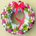 Húsvéti/tavaszi kopogtató (22 cm) KÉSZTERMÉK, Dekoráció, Húsvéti díszek, Otthon, lakberendezés, Ünnepi dekoráció, A szalmakoszorú alapot textillel vontam be, majd erre került  a díszítés: fehér és rózsaszín hungaro..., Meska