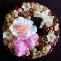 Tavaszi-nyári rózsás kopogtató (21 cm) KÉSZTERMÉK, Dekoráció, Otthon, lakberendezés, Dísz, Ajtódísz, kopogtató, Tavaszi-nyári kopogtatót készítettem, melyhez gyönyörű élethű virágfejeket használtam fel.  A szalma..., Meska