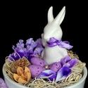 Nyuszis húsvéti asztaldísz lila KÉSZTERMÉK, Dekoráció, Otthon, lakberendezés, Dísz, Asztaldísz, Elegáns húsvéti asztaldíszt készítettem kerámia nyuszival.  A kerámia kaspót tűzőhabbal béleltem ki,..., Meska