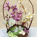 """""""Madárpár"""" tavaszi/ húsvéti díszkosár KÉSZTERMÉK, Dekoráció, Otthon, lakberendezés, Dísz, Asztaldísz, Tavaszi díszkosarat készítette, m kismadarakkal, virágokkal vesszőkosárban. Örök dísz.  A kosarat er..., Meska"""