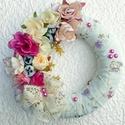 Vintage nyári kopogtató (24 cm) KÉSZTERMÉK, Dekoráció, Otthon, lakberendezés, Dísz, Ajtódísz, kopogtató, Vintage stílusú elegáns kopogtatót készítettem különleges mintás textillel bevonva, rusztikus rózsák..., Meska