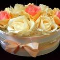 Vintage rózsabox barack , Dekoráció, Otthon, lakberendezés, Dísz, Asztaldísz, Elegáns rózsaboxot készítettem gyönyörű élethű selyem- és habrózsákkal. Az ellipszis formájú boxot v..., Meska