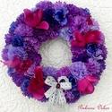 """""""Lila virágözön"""" kopogtató (24 cm) KÉSZTERMÉK, Dekoráció, Otthon, lakberendezés, Dísz, Ajtódísz, kopogtató, Lila és pink árnyalatú virágokból készült kopogtató.  Lila mintás textillel betekert szalma alapra k..., Meska"""