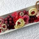 Asztaldísz virágtál  fa szívvel KÉSZTERMÉK, Dekoráció, Otthon, lakberendezés, Dísz, Asztaldísz, Egy hosszúkás porcelán tálra készítettem el ezt a díszt púder rózsaszín, vajszín árnyala..., Meska