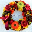Tökös őszi koszorú asztaldísz/kopogtató( 26,5 cm) KÉSZTERMÉK, Dekoráció, Otthon, lakberendezés, Dísz, Asztaldísz, Virágkötés, Asztaldísz/ koszorú/kopogtató az ősz színeiben élethű selyemvirágokkal, habrózsákkal, kerámia tökök..., Meska