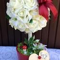 Virágfa -  ajándék bármilyen alkalomra   (32 cm) KÉSZTERMÉK, Dekoráció, Otthon, lakberendezés, Dísz, Asztaldísz, Virágkötés, Mindenmás, Kitűnő ajándék bármilyen alkalomra.  Kerámia kaspóba készült rózsafácska fehér/vajszín habrózsákkal..., Meska