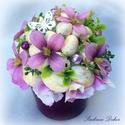 Húsvéti asztaldísz  lila  , Dekoráció, Otthon, lakberendezés, Dísz, Asztaldísz, Virágkötés, Tavaszi-húsvéti asztaldíszt készítettem lila kerámia kaspóba, sok-sok dekor tojással,  fa pillangóv..., Meska
