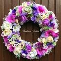 Tavaszi kopogtató LILA (29 cm) KÉSZTERMÉK, Dekoráció, Otthon, lakberendezés, Dísz, Ajtódísz, kopogtató, Mindenmás, Virágkötés, Üde tavaszi kopogtató  gyönyörű élethű fehér és lila virágokkal, mahagony fa szeletekkel,  selyemvi..., Meska