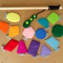 Készségfejlesztő horgászjáték, színes filc halak mágneses horgászbottal, színes síkidomok, 14 db-os készlet, Játék, Készségfejlesztő játék, Társasjáték, Varrás, Horgászható, színes síkidom-halacskák, geometria-horgász szett. A filc horgászkészlet tartalma: - 1..., Meska