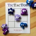 """'Tic Tac Toe' amőba társasjáték 3x3-as és 4x4-es játékmezőkkel, filc szörnyecske játékfigurákkal, Játék, Társasjáték, Készségfejlesztő játék, A régről ismert """"Amőba"""" (angolul Tic Tac Toe) társasjáték 2 játékos számára.  A játékfig..., Meska"""