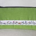 Kerékpáros közepes neszesszer, Erős dekorvászonból készült lapos neszesszer,...