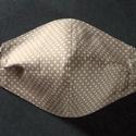 Homokszínű pöttyös arcmaszk, szájmaszk, Textil arcmaszk, 2 rétegű, mindkét réteg pamut...
