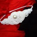 Fehér gyöngyös menyasszonyi hajpánt, Esküvő, Ruha, divat, cipő, Hajdísz, ruhadísz, Hajbavaló, Ékszerkészítés, Gyöngyfűzés, Sujtás technikával készült gyönyörű sujtás menyasszonyi hajpánt! Igazán mutatós, figyelemfelkeltő d..., Meska
