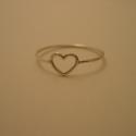 ezüst szív gyűrű, Ékszer, Gyűrű, 925-ös finomságú ezüstből készült drót szív gyűrű. mérete 53-as, a drót vastagsága 0,9..., Meska