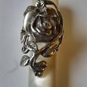 -30%  rózsás gyűrű   , Ékszer, Gyűrű, NAGYTAKARÍTÁS   -30% 15500ft helyett 10850ft  925-ös finomságú ezüstből készült, az antikolt rózsás ..., Meska