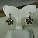 -30%  ezüst virágos fülbevaló   , Ékszer, Fülbevaló, NAGYTAKARÍTÁS -30% 8800ft helyett 6160ft  925-ös finomságú ezüstből készült fülbevaló 5 szirmú virág..., Meska