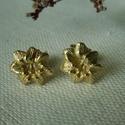 -30%  aranyozott ezüst virág fülbevaló  , Ékszer, Fülbevaló, NAGYTAKARÍTÁS -30% 7200ft helyett 5040ft  925-ös finomságú ezüstből készült sárga aranyozott, 1cm-es..., Meska