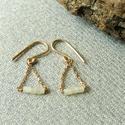 -30%  aranyozott jáde fülbevaló  , Ékszer, Fülbevaló, NAGYTAKARÍTÁS -30% 5900ft helyett 4130ft  925-ös finomságú ezüstből készült fülbevalón láncon lógnak..., Meska