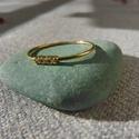 3 köves aranyozott ezüst gyűrű  , 925-ös finomságú sárga aranyozott ezüstből k...