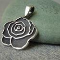 ezüst rózsa medál, 925-ös finomságú ezüstből készült, rózsa f...