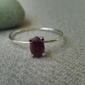 rubin köves gyűrű ezüstből   , 925-ös finomságú ezüstből készült gyűrű 4...