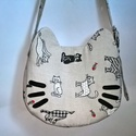 Cica, #macska alakú táska, Táska, Ruha, divat, cipő, Válltáska, oldaltáska, Varrás, A megszokott  cica applikálás  helyett, csak fülekkel és bajuszokkal készítettem egy cicatáskát.  A..., Meska