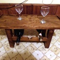 fa bortartó asztalka, Otthon, lakberendezés, Bútor, Férfiaknak, Sör, bor, pálinka, Fa bortartó, 3 palack tárolására, teteje asztalkaként,pohártartóként használható. Fenyőfából készült..., Meska