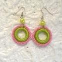 Zöld-rózsaszín horgolt fülbevaló, Ékszer, Ruha, divat, cipő, Fülbevaló, Nagyon szép zöld és rózsaszín fonalból horgoltam ezt a fülbevalót, műanyag tekla gyönggyel..., Meska