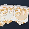 LAJHÁR - füzér mustár sárga és fehér színű állatos girland, dzsungel képek fali dekoráció, füzér gyerekszobába, Baba-mama-gyerek, Gyerekszoba, Baba falikép, Mobildísz, függődísz, A HAPPIX képfüzér egy mosoly a falra. :)  Vidám, modern, letisztult stílusú kis képek, melyek feldob..., Meska