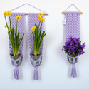 Makramé virágtartó - levendula (halvány lila) színű dupla fali makramé virágtartó, Baba-mama-gyerek, Gyerekszoba, Mobildísz, függődísz, Tárolóeszköz - gyerekszobába, Levendula (halvány lila) színű, modern, letisztult stílusú virágtartó, melyet natúr bükkfa rúdra rög..., Meska
