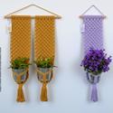 Makramé virágtartó - mustár színű dupla fali makramé virágtartó, Baba-mama-gyerek, Gyerekszoba, Mobildísz, függődísz, Tárolóeszköz - gyerekszobába, Mustár színű, modern, letisztult stílusú makramé virágtartó, melyet natúr bükkfa rúdra rögzítettem, ..., Meska